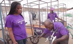 Browse partner bilikiss adebiyi abiola gerante des wecyclers avec son equipe